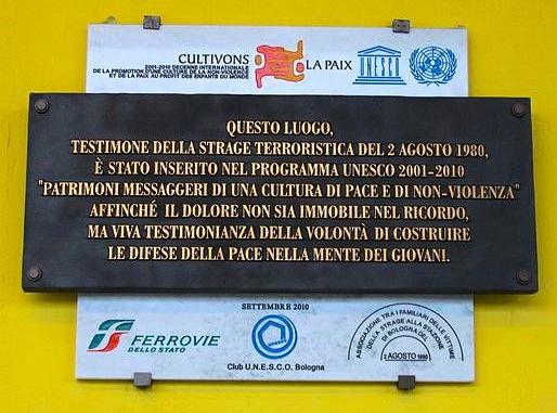 Lapide_UNESCO_strage_di_Bologna