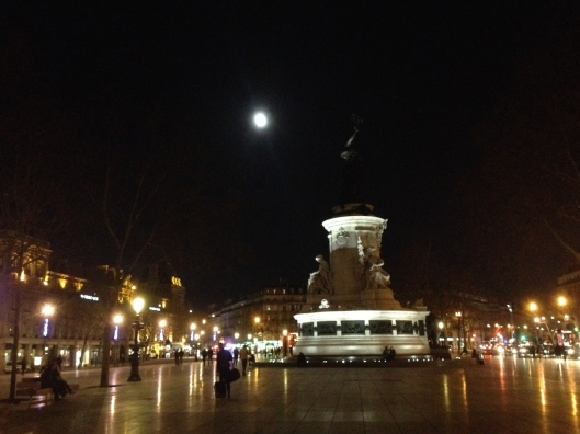 001_république et la lune 180