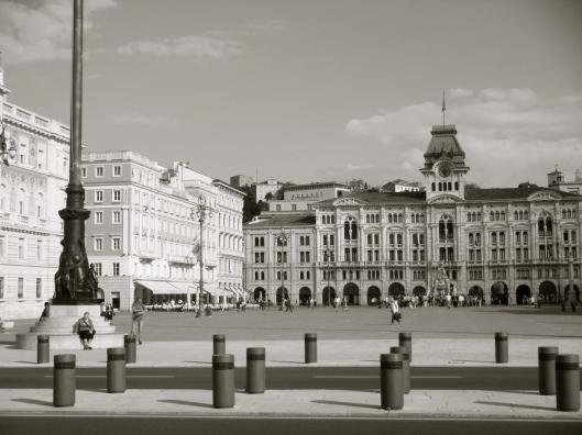 000b_Trieste_Square NB180