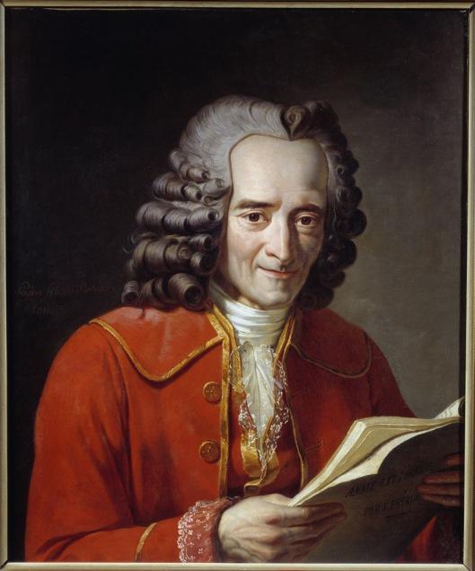 Portrait de Voltaire (Francois Marie Arouet dit, 1694-1778) tenant l'annee litteraire. Peinture de Jacques-Augustin-Catherine Pajou (1766-1828), 18eme siecle. Paris, Comedie Francaise